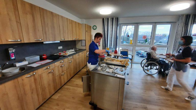 Wohnbereich mit Bewohnerküche